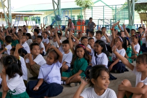HCP 2018 2nd day elementary school handsup